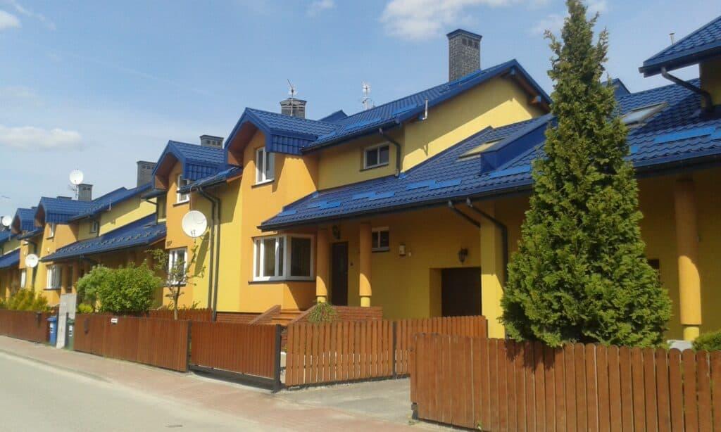 Projekt zespołu domów jednorodzinnych w zabudowie szeregowej w Warszawie/Marki przy ul. Berensona